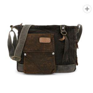 Bed Stu trapper John messenger bag purse